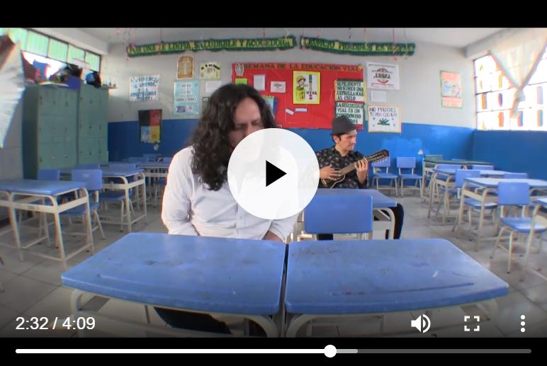 Gustavo Ratto canta Canción Oficial de los Docentes Peruanos